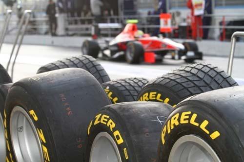 Pirelli Formula 1-es gumiabroncsok. Barcelona az utolsó Európai teszt helyszíne!